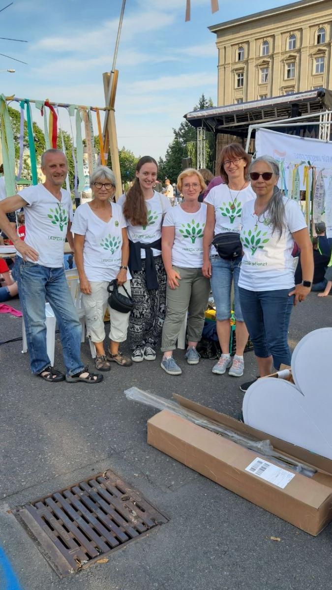 LEIPZIG pflanzt Team bei der Klimamesse